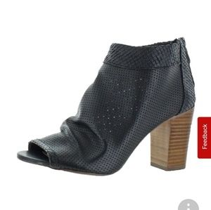 JUST IN NWT BEAUTIFUL BOOTIES
